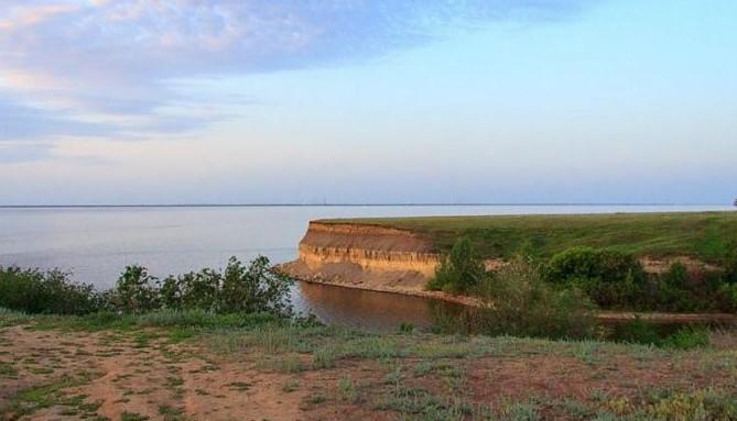 Волгоградское водохранилище.Залив в с.Пичуга
